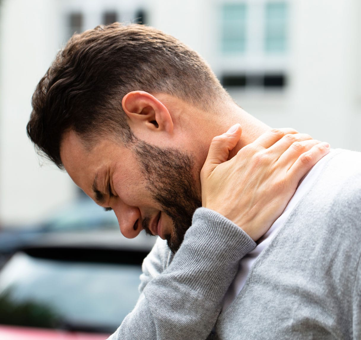 guy-neck-pain